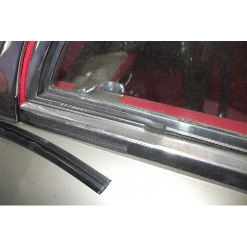 Door Vent Frame (or Quarterlight To Some People) Rubber