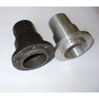 51202-Boss or 51202 Hub, part of Steering Wheel 51202 for a DB2, also fits DB4 to DB6 part of 020-025-0006 or 043-025-0006